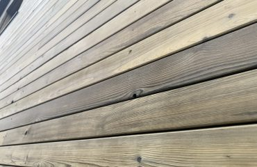 SertiWOOD Pre Weathered Old look Silvery Grey Siberian Larch cladding close up