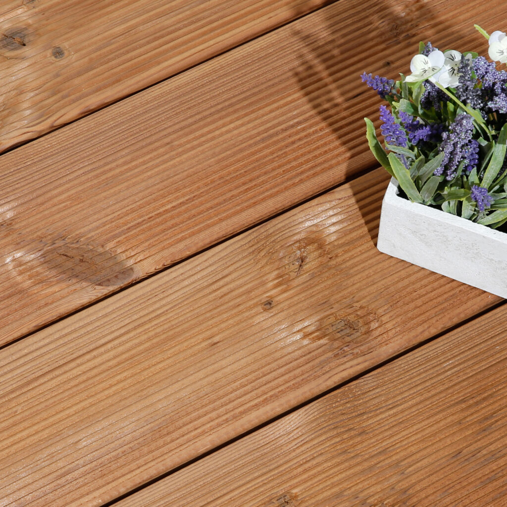 Timber Focus Thermowood Redwood D Reeded Side Timber Decking