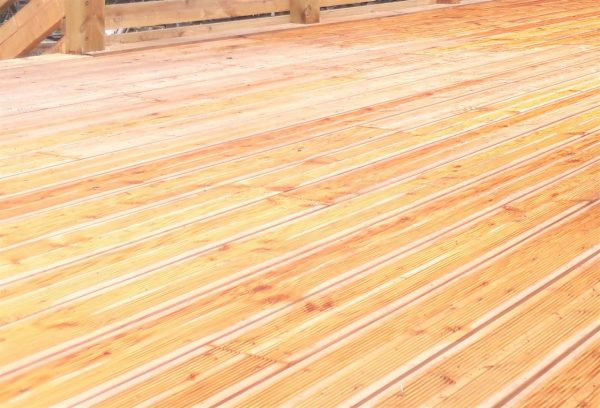 Siberian Larch decking 3.0mtr * Heartwood Smooth and Reeded * Dual use profile (Pack)